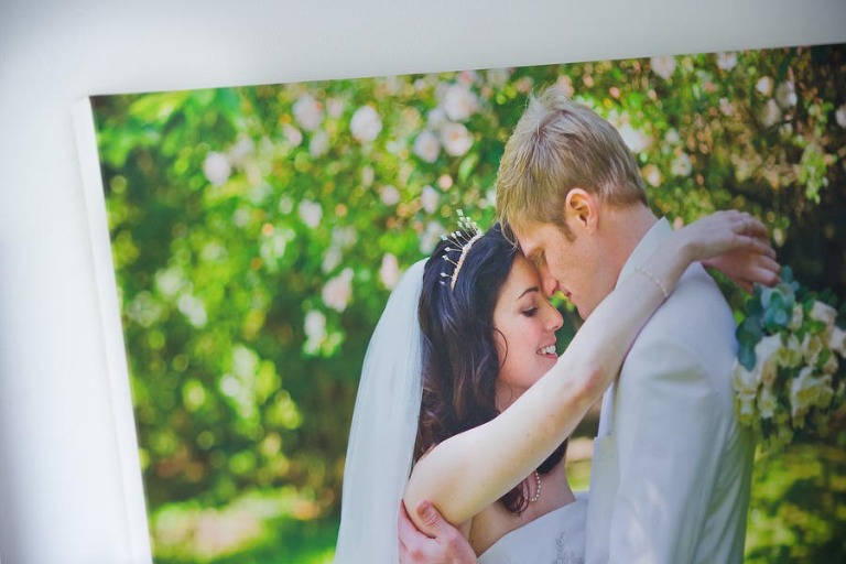 Wedding photography products - Wedding photo framed as canvas